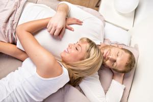 Una imagen de pareja psicologia salud salud mental sexualidad Encontrar pareja por internet: trucos y consejos