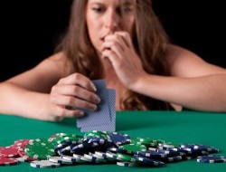 whos-bluffing-recognize-tells-bluffs-poker-game.1280x600[1]